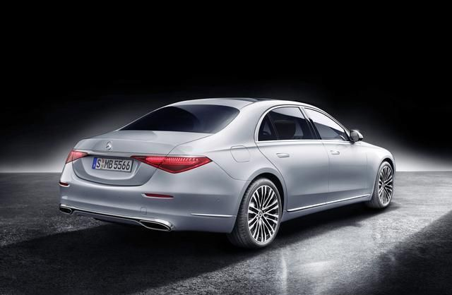虽然全新奔驰S级的科技配置很亮眼,但是它少了一辆豪华车的气质