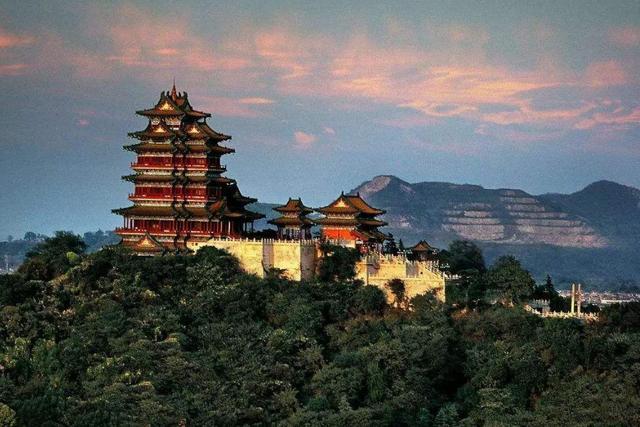 """南京一处小景点被烧 风景不输给被誉为"""""""