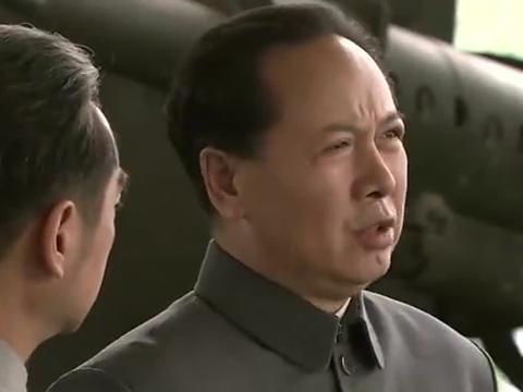 国家命运:钱三强说造出一颗原子弹需要十年,彭老总说时间太长