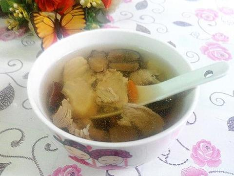 养生汤分享:花旗参鹿茸炖瘦肉、冬瓜肉片、花生炖猪蹄的简单做法