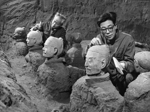 站在秦始皇的兵马俑前,这是一处让你感觉穿越回秦朝的地方