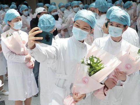 印度疫情爆炸,留学生在家上网课也不安心:中国安全,想回中国