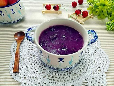 养生粥分享:紫薯银耳羹、红豆薏米燕麦粥、排骨板栗粥的简单做法