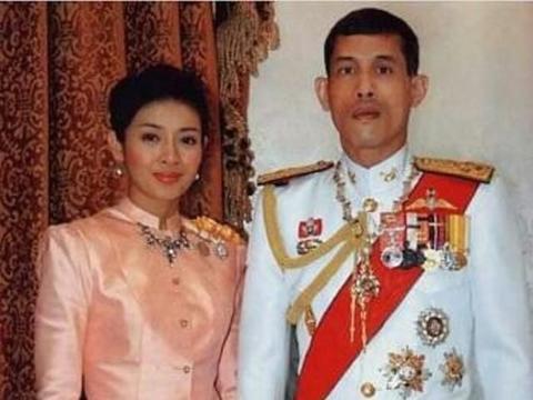 泰王最美娇妻,颜值最高宠冠六宫,身穿小立领红裙美的不可方物