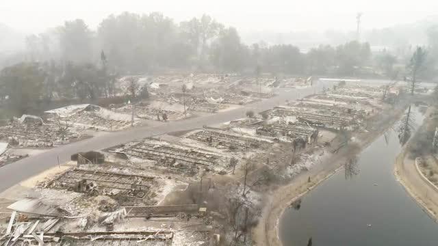 航拍山火肆虐后的美国俄勒冈 四处断壁残垣仿佛战场