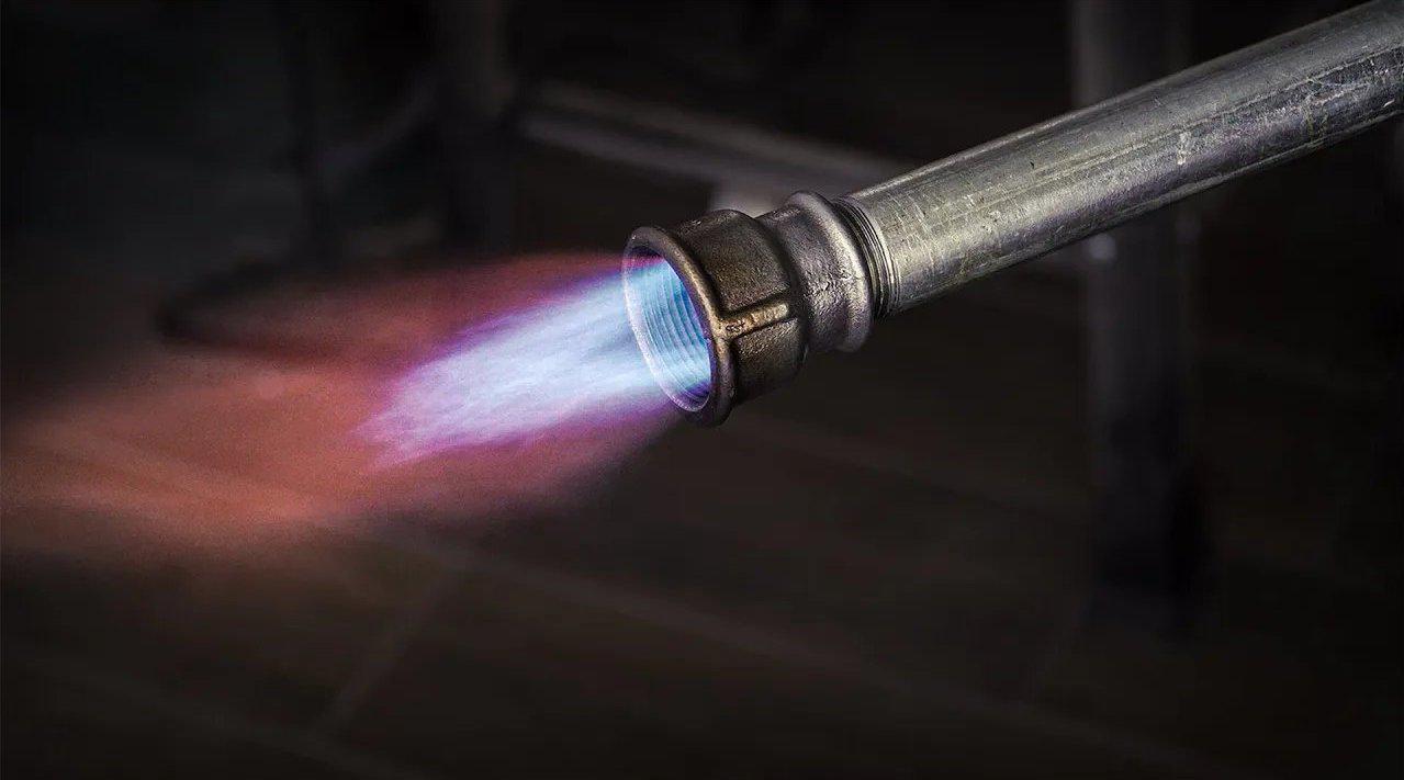 机械大神自制微型燃气燃烧器,火焰控制的跟航空发动机一样!