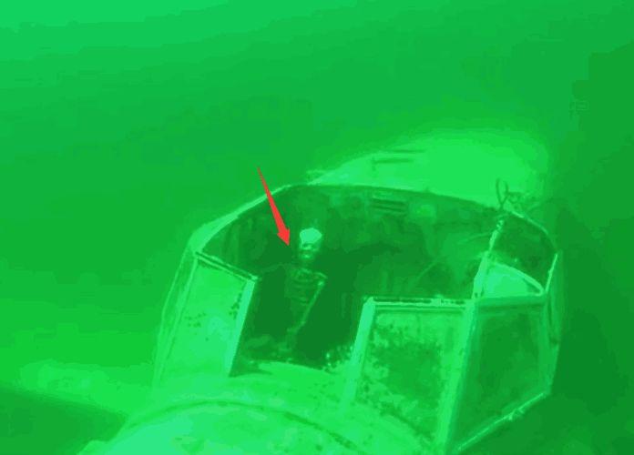 男子潜水发现坠毁直升机残骸,进入勘探后发现另一番景象