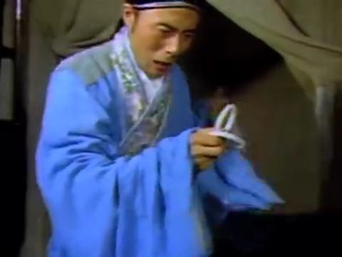 济公:李秀才找到白镯子,本想摔掉却当罪证!