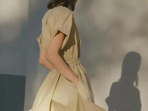 秋冬季想要穿出日系杂志感,不放选择米色和棕色系的穿搭技巧