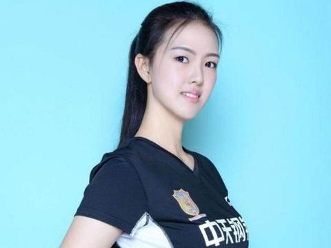 终于知道张常宁为啥不去支援天津女排,朱婷太难了!