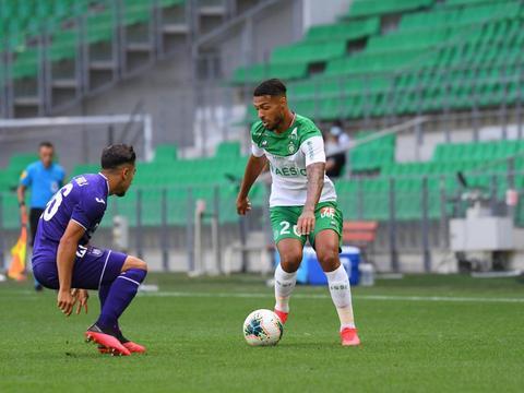 比赛日:西汉姆0-2纽卡斯尔 黄喜灿传射莱比锡3-0