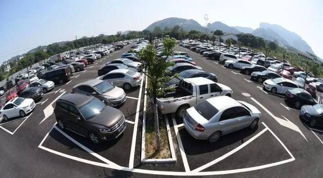 为什么好多人买了车却不开,车主:我也很无奈!