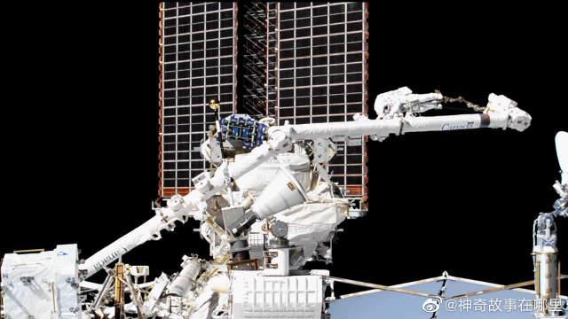 没错!宇航员们的太空行走就是这样的,你也想体验吗?
