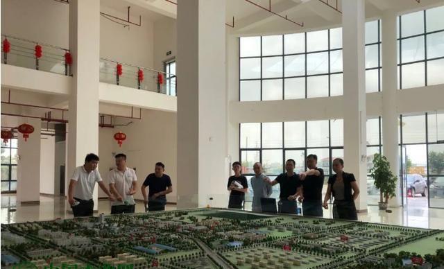 山东、浙江、贵港客商参观屏南临江工业园区产品加工木材产业园
