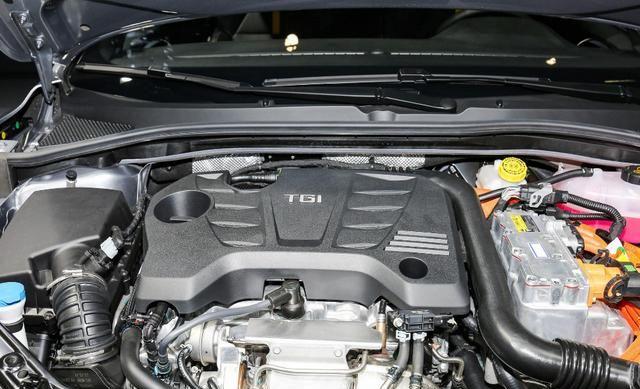 舒适与性能可以共存,名爵6 PHEV全面升级,百公里油耗低至1.1L