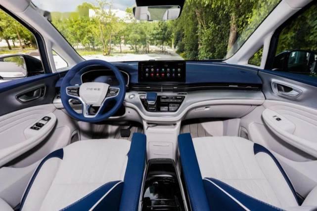 又一高端MPV亮相,完胜GL8,车内带魔吧能泡茶,定价合适可大卖