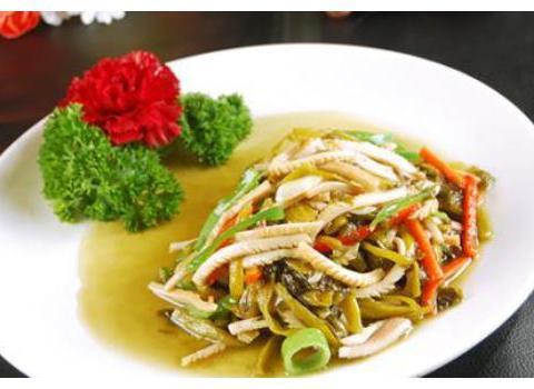 精选美食:酸菜鱿鱼,茄汁肉丸盖浇饭,排骨番茄汤,芹菜香干肉丝