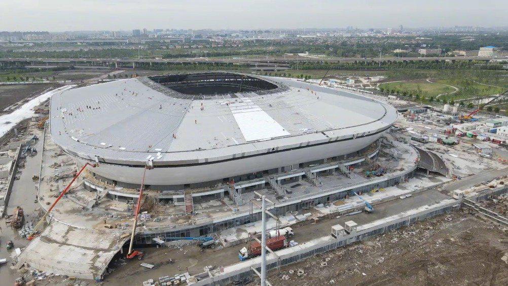 """上海新添一超级足球场 """"白瓷碗""""首秀将迎英雄联盟全球总决赛"""