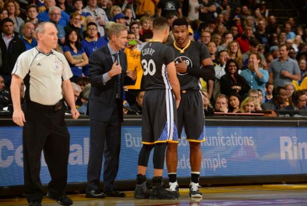 在今天37岁的NBA知名球星巴博萨正式宣布退役,而退役的同时呢