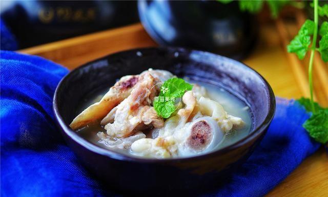 9月,喝莲藕汤,不如喝这碗汤,富含钙质,补充营养,一碗就够了