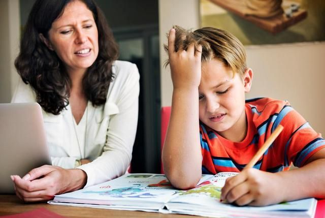 为什么妈妈见到孩子就想唠叨?心理学博士:问题就出在孩子的脸上