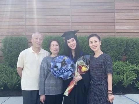 杨子的大女儿毕业于哈佛,18岁杨海润很高