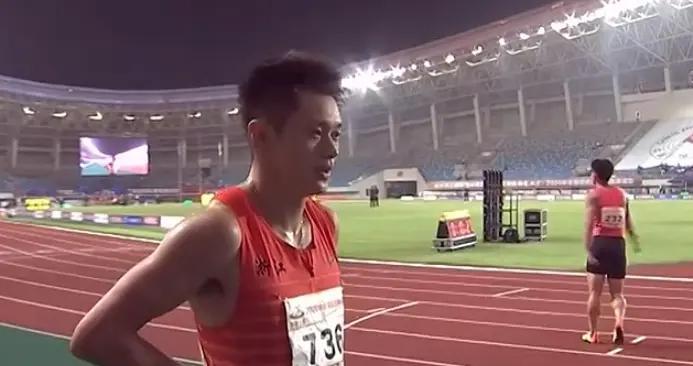 全国田径锦标赛 谢震业葛曼棋分获男女百米冠军
