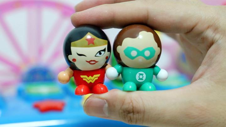 DC超级英雄:正义联盟Q版跳跳球圆头玩具绿灯侠登场