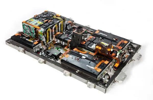 首批新能源车电池衰减期来临,车企如何应对?
