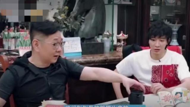 刘璇育儿方式引争议,张绍刚直言太刻板,有钱人的孩子活得真难