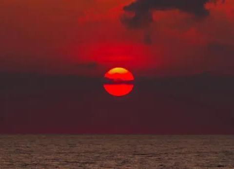 其他星球上的日落是什么颜色?天王星上颜色诡异,土卫六最特殊