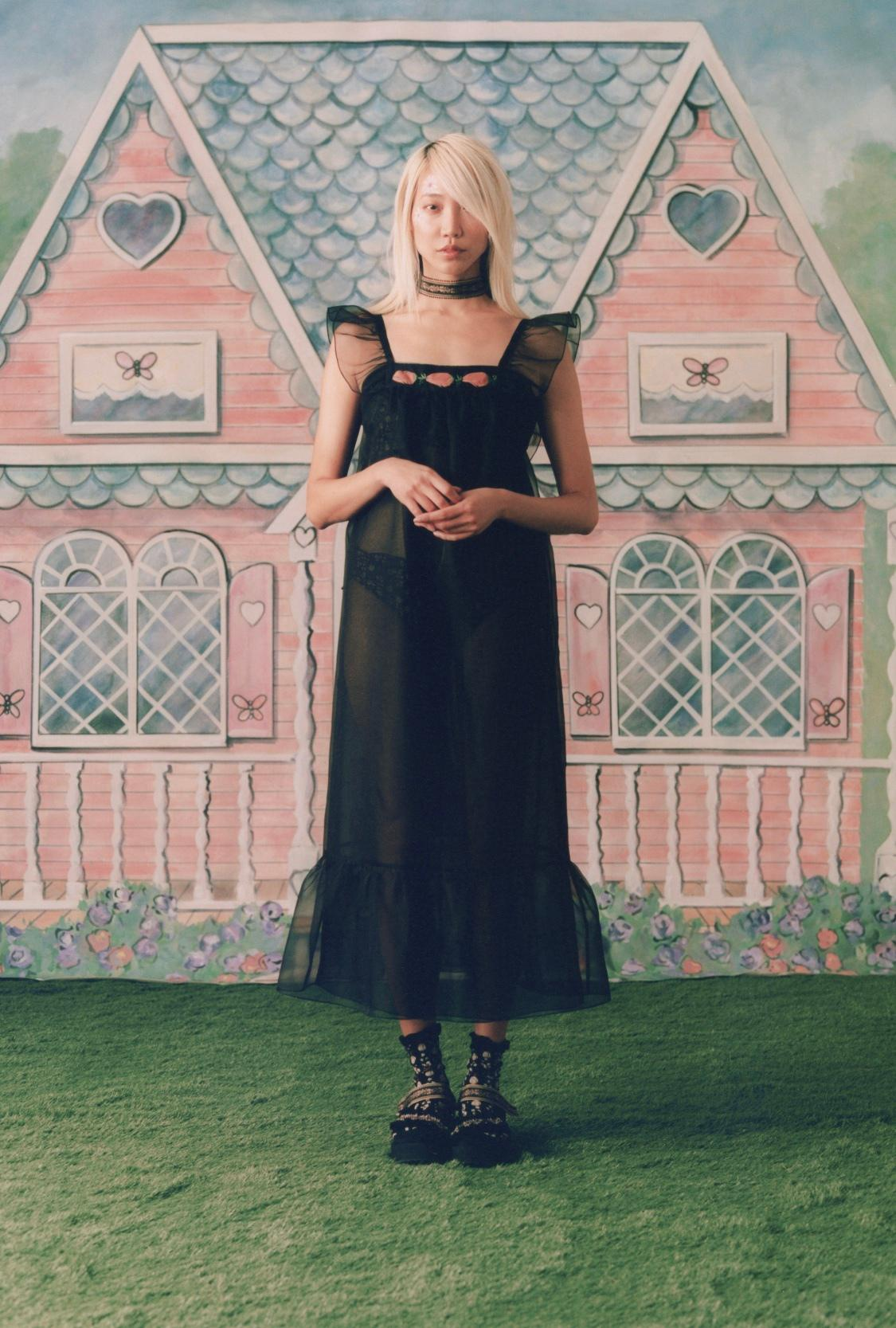 Anna Sui S/S 2021安娜苏春夏系列,是熟悉的印花少女系……