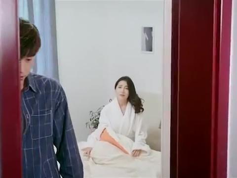 热血古惑女:韩浩然把李夏河送回家离开,发现林子琦在楼下等他