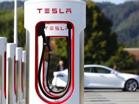 特斯拉建全球最大超级充电站,比普通超充站大6倍