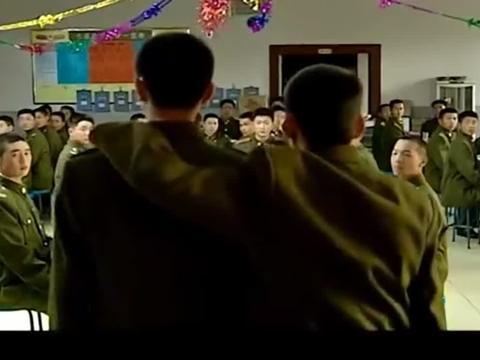 士兵突击:又是一年退伍季,七连举办联欢会,众人送别退伍兵!