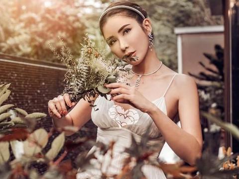 新加坡顶级名媛蔡欣颖 居家名媛风别致新颖 豪宅都是名贵花草