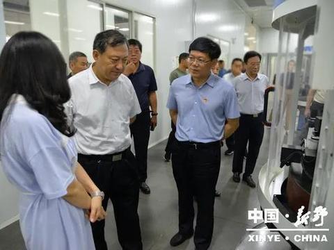 南阳市领导谢松民调研新野县外贸进出口企业运行情况