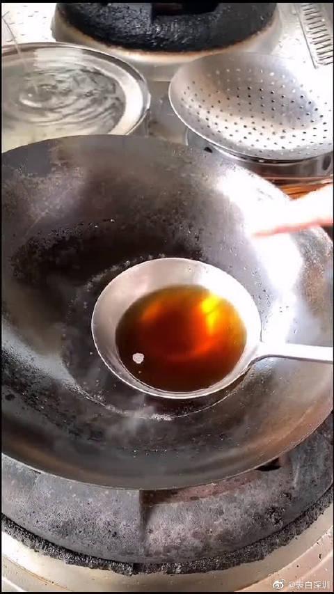 大厨今天教你们在家里如何做出简单又好吃的万能糖醋汁