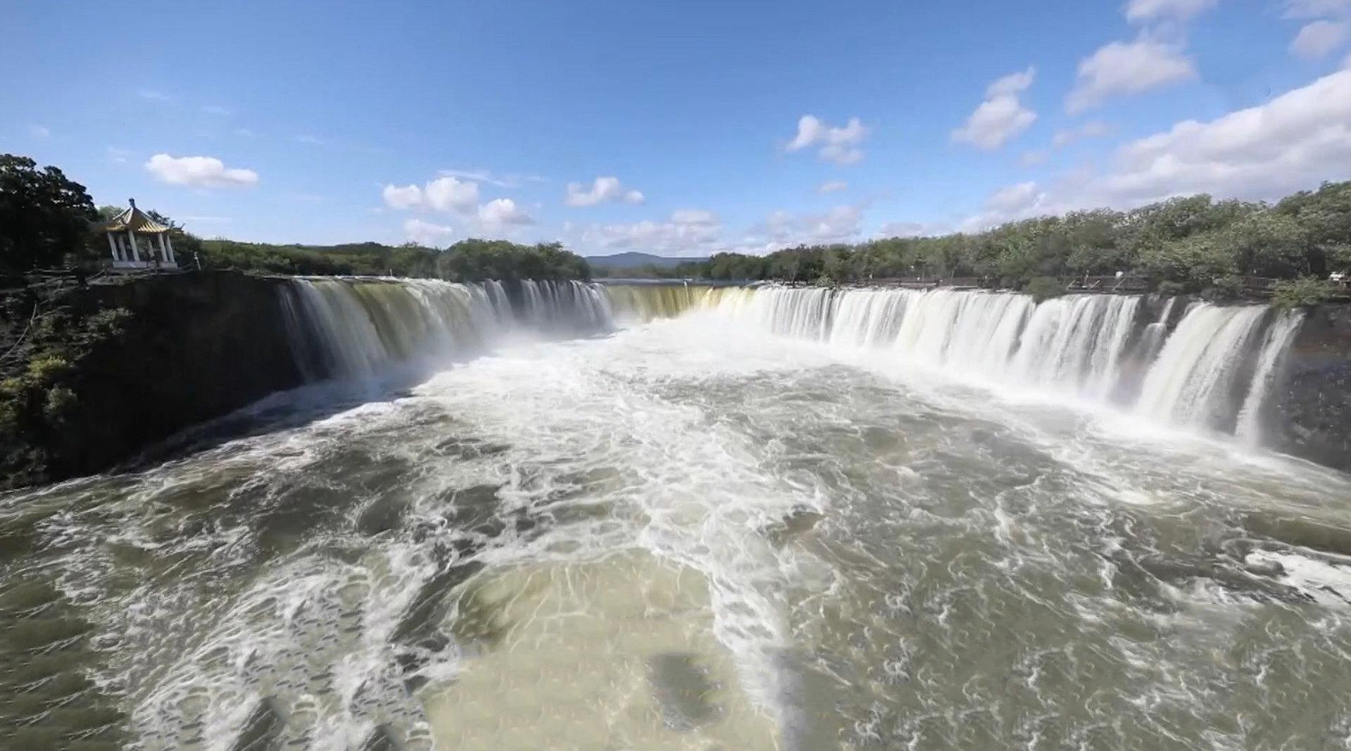 60年一遇!吊水楼瀑布现三面溢流奇观