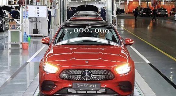 新奔驰E级又加长了!造型酷似小号新S级,你会买现款还是等它?