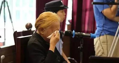83岁母亲喂智障儿子吃安眠药死亡,法庭上,母亲的话让人泪崩