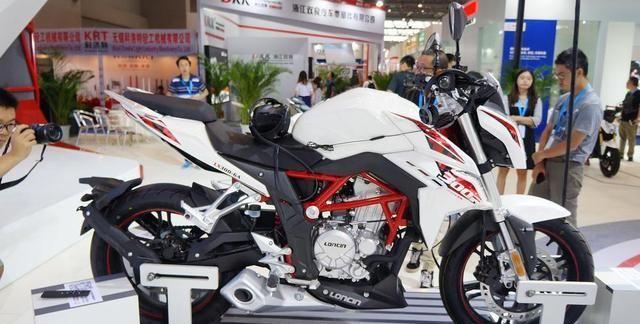 无极300R这款摩托到底怎么样?油耗表现怎么样?你真的了解吗