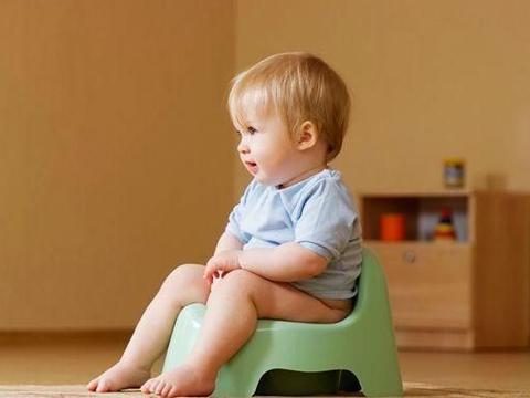 孩子频繁尿床,父母别斥责、打骂,用这5招轻松帮娃改善