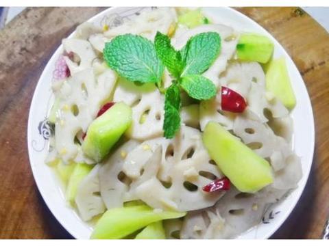 黃瓜与莲藕这样做不炖不烧汤不凉拌,素炒香辣黄瓜莲藕片喜欢吗?