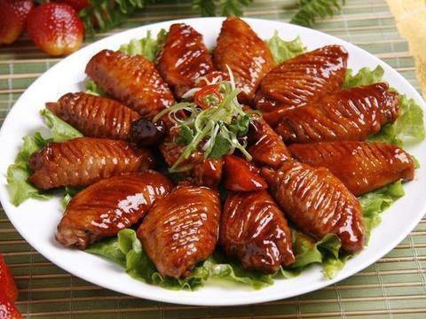 优选食谱:烧鸡翅、虾仁烩白菜心、干锅腊肉茶树菇、过江豆腐