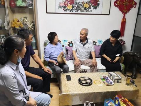 天津河东区委宣传部走访慰问道德模范韩春枝
