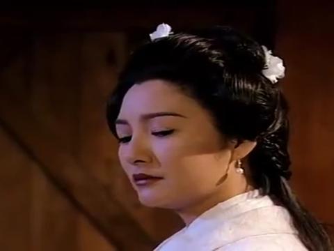 天龙八部:阿朱假扮白世镜,找康敏问话,奈何一句话露馅