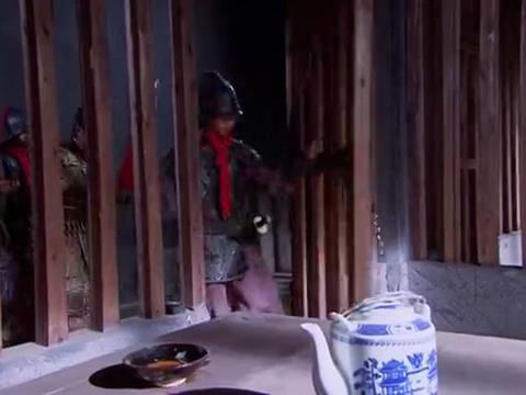 乞丐皇帝:朱元璋代替郭子兴去坐牢,被郭子兴怀疑在使用苦肉计