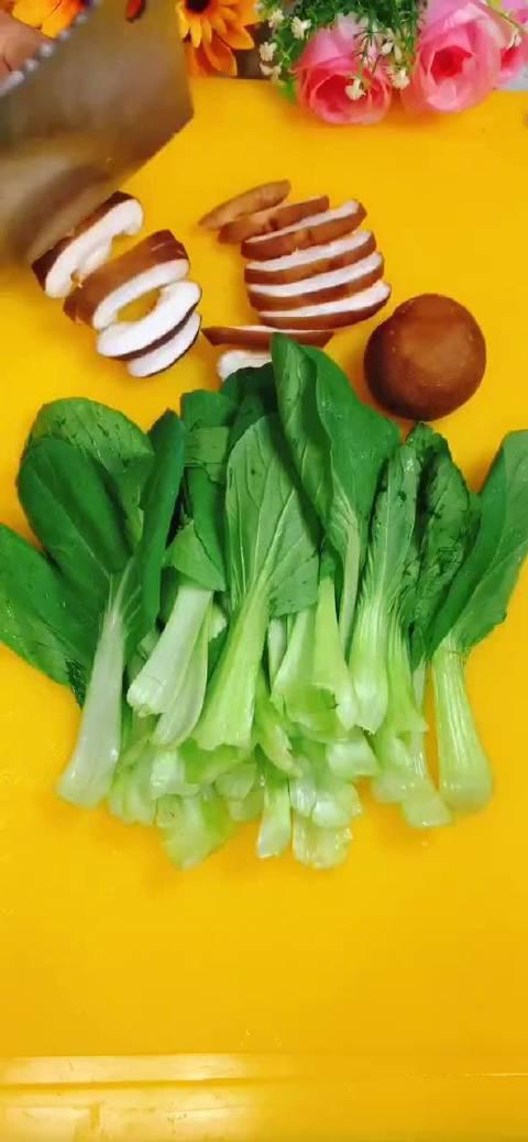 小青菜炒香茹