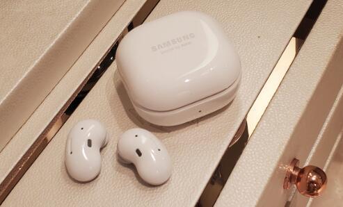 真无线蓝牙耳机对比评测:国庆出游必不可少的四款机型!